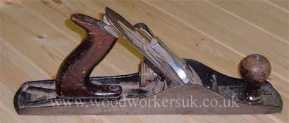 Jack plane for removing large quantities of material