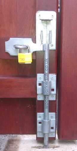 Lockable dropbolt