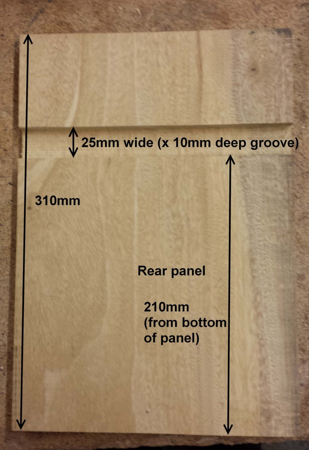 Nesting bird box groove rear panel
