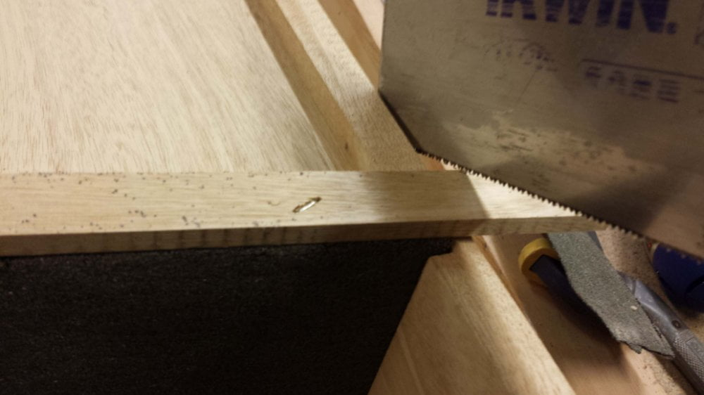 Beading trimmed to length tenon saw for nesting bird box