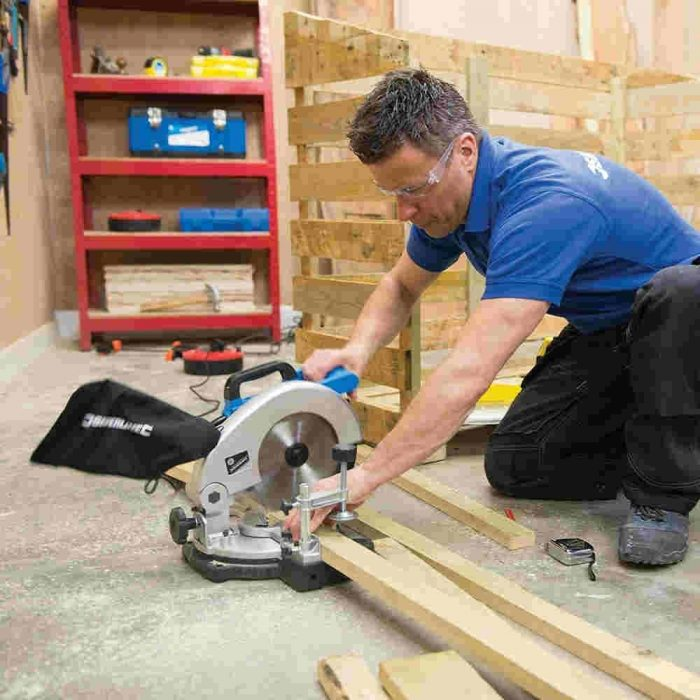 Silverline 262705 DIY 1400W Compound Mitre Saw 210mm-2708