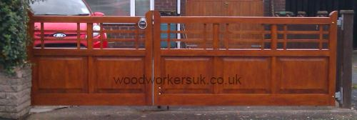 The completed gates, hung and taking pride of place on our customers driveway!