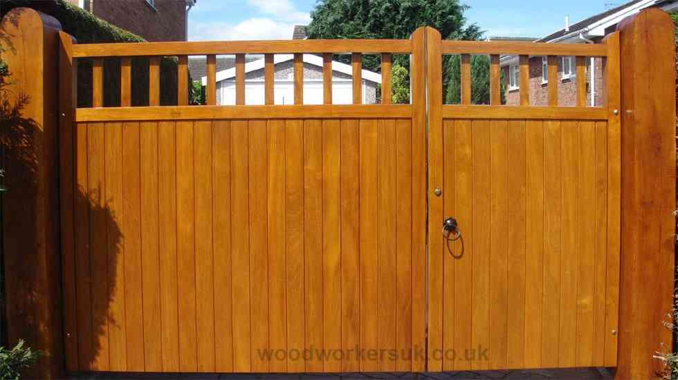 Unequally split St Asaph pair of driveway gates.