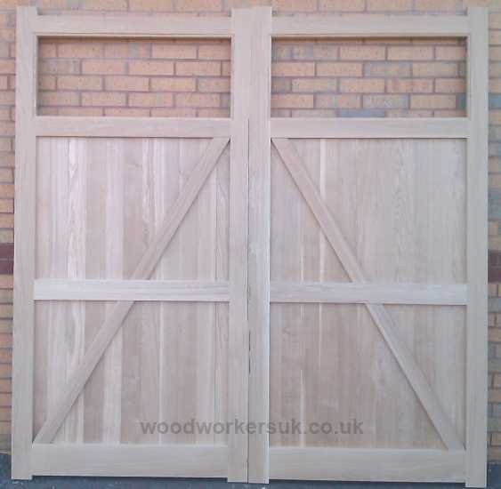 Again shown in Idigbo is the rear of the Aber doors, also available in Euro Oak, Meranti (Hardwoods), Accoya and Scandinavian Redwood (Softwoods)