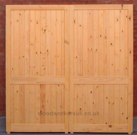 Menai garage doors with three solid, full thickness rails for unbeatable strength